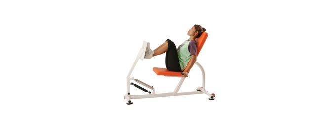 レッグプレス 股関節や膝関節・ふくらはぎの筋肉を強化することで立ち上がる・座る・しゃがむ・長時間立つ・歩く・走るなどの日常動作に必要な筋力をアップ